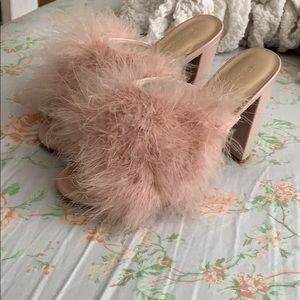 Light Pink fuzzy sandals, size 8.5